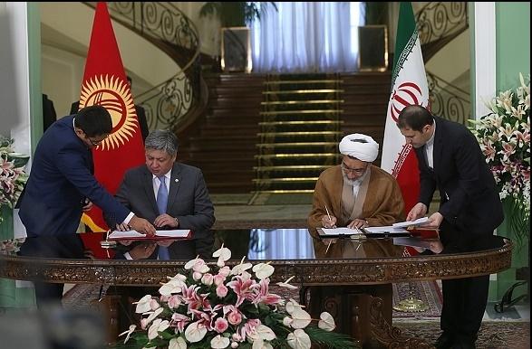 9 فریم از حضور رئیس جمهور قرقیزستان در ایران و سوغاتی که با خود به کشورش برد