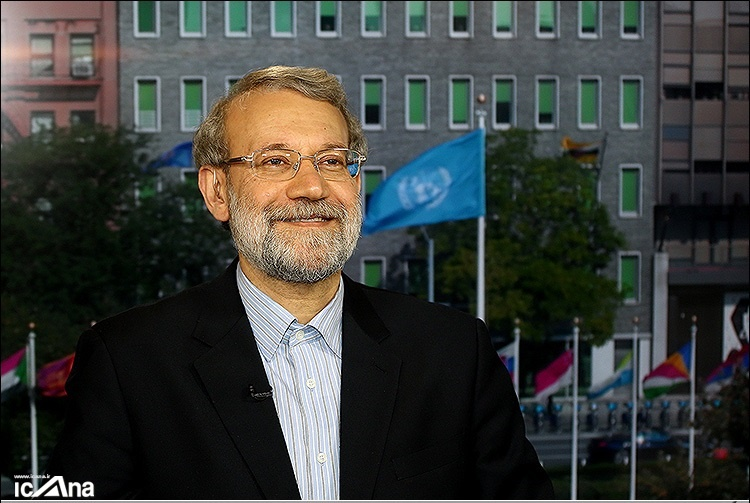 لاریجانی: وزیر دفاع آمریکا هر روز صبح پس از بیدارشدن پنجره را باز کرده و علیه ایران فریاد می زند
