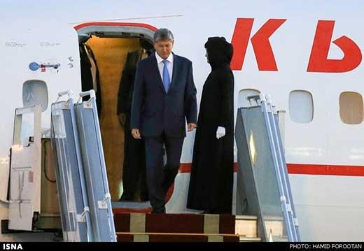 حجاب مهماندار رئیسجمهور قرقیزستان/ عکس