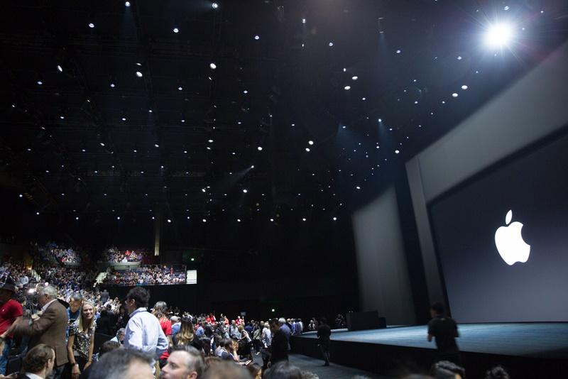 کنفرانس اپل آغاز شد/ ساعت جدید اپل / رونمایی از آی پد پرو 12.9 اینچی با قلم دیجیتال آی پنسیل!