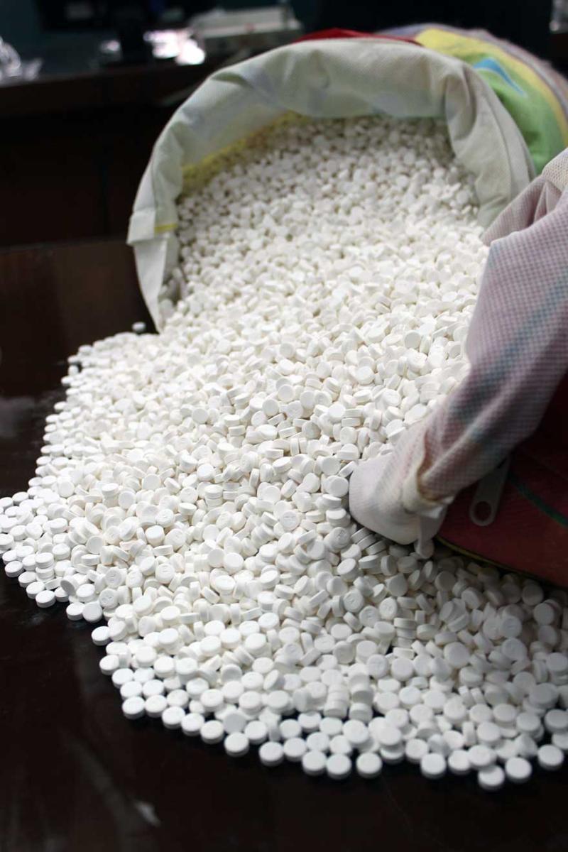 کشف 7 هزار عدد داروی غیر مجاز از یک عطاری در کرج