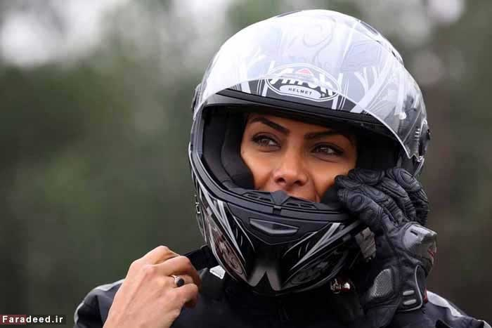16 1 17 1911433336 725 - اولین زن موتورسوار حرفهای در ایران از نگاه خبرگزاری فرانسه