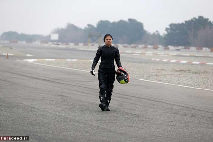 16 1 17 199633370 813 - اولین زن موتورسوار حرفهای در ایران از نگاه خبرگزاری فرانسه