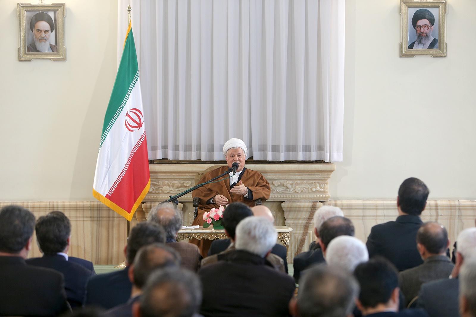 هاشمی رفسنجانی: بررسی صلاحیت نامزدها نباید برای بعضی غیرقابل عبور و برای بعضی آسان باشد