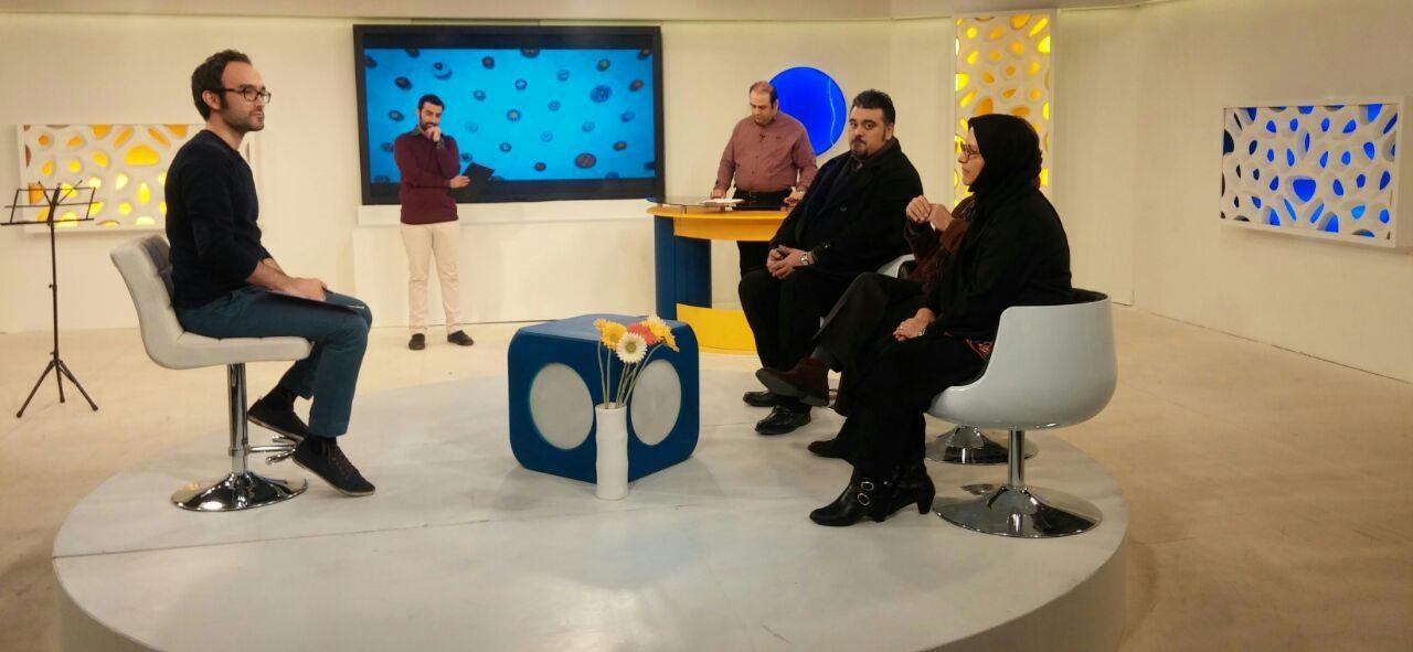 رویا تیموریان: با ناصر حجازی از قبل از انقلاب آشنا بودم/ نه قرمزم نه آبی/ خاله بازی نمی کنم!