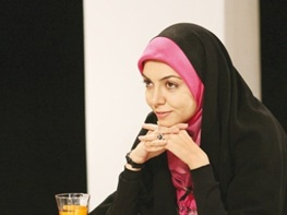 آزاده نامداری برای ایران بدون تحریم جشن میگیرد