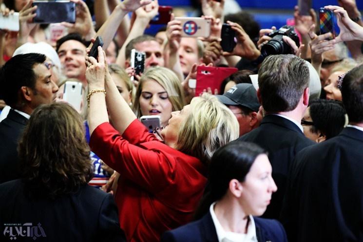 تصاویر | علاقه هیلاری کلینتون به عکس سلفی با هوادارانش