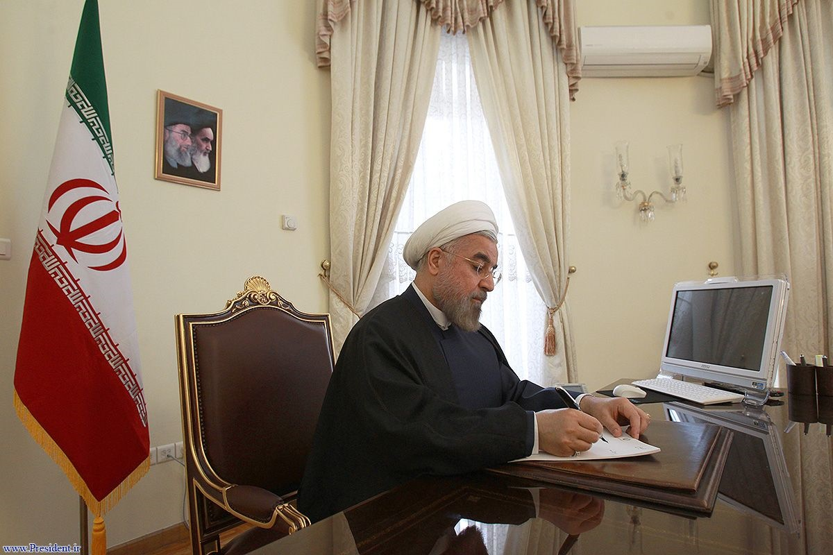 پاسخ همراه با تقدیر روحانی به نامه استعفای ۳ وزیر