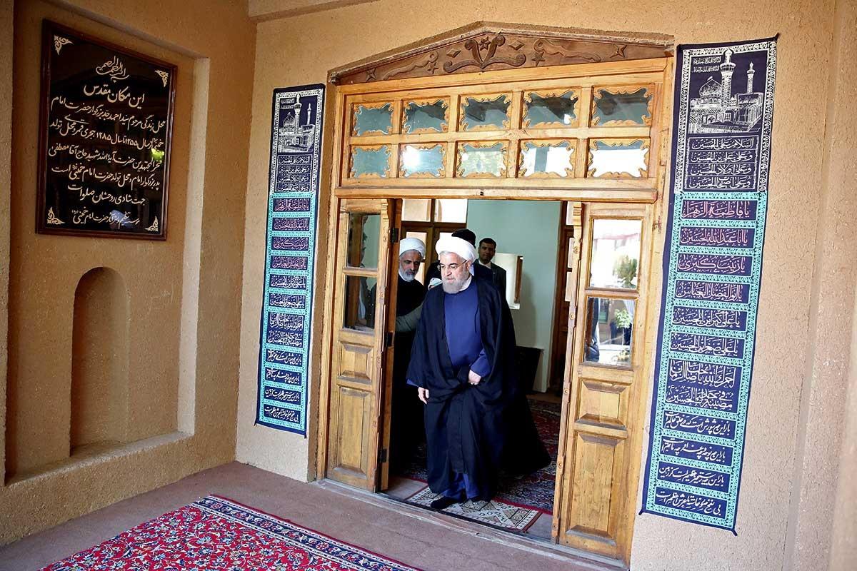 تصاویر   حضور رییس جمهوری در بیت بنیانگذار کبیر انقلاب اسلامی در خمین