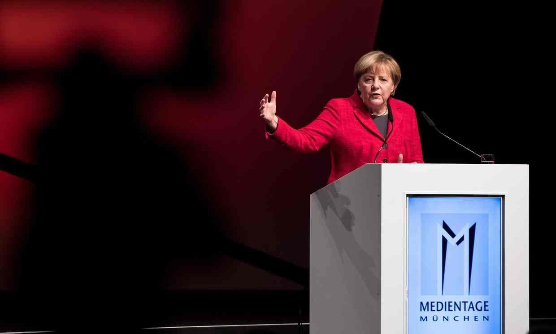 ۱۰ تیتر داغ دنیای آی تی از خودروی پرنده اوبر تا حمله صدراعظم آلمان به موتورهای جستجوی اینترنتی