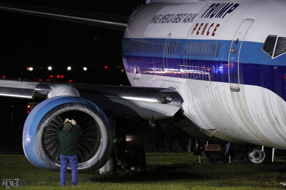 تصاویر | هواپیمای معاون اول ترامپ از باند خارج شد