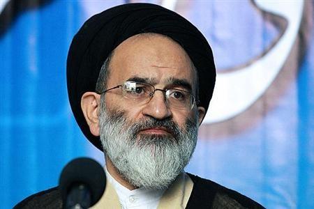 حجت الاسلام تقوی: اگر منکری در خیابان اتفاق افتاد همه مسئولیم تذکر دهیم
