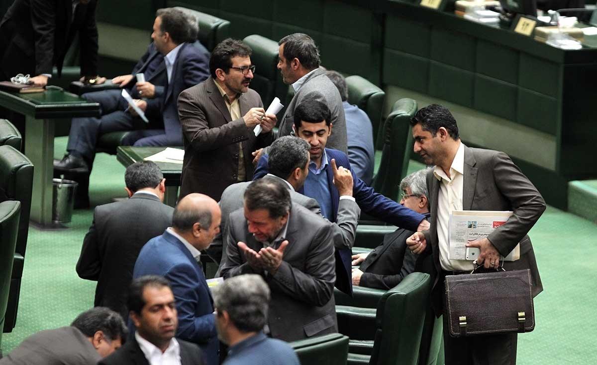 توقف تحقیق و تفحص از شهرداری تهران پس از رایزنی قالیباف/ کواکبیان: آقایان چاقوی خود را کند کردند