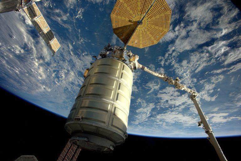 جدایی فضاپیمای سیگنوس برای آزمایش آتشسوزی در خلاء