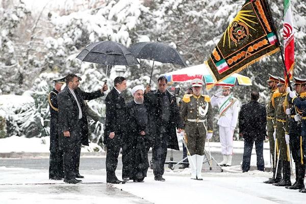 فیلم | استقبال روحانی از رییسجمهور اسلوونی در روز برفی | اظهارات مهم دو رئیسجمهور