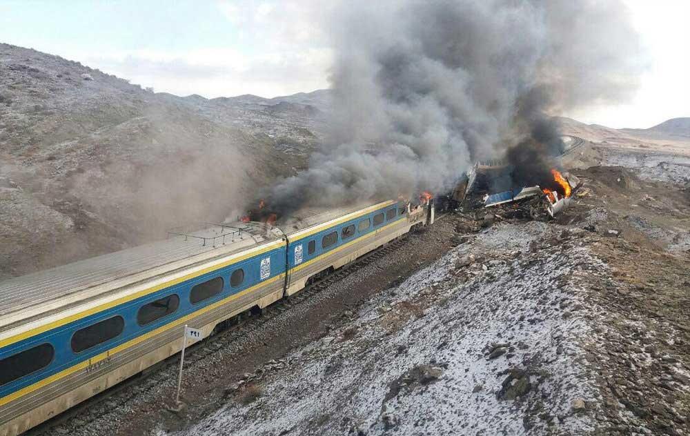 لوکوموتیوران قطار سمنان -مشهد بازداشت شد/ فرار کرده بود