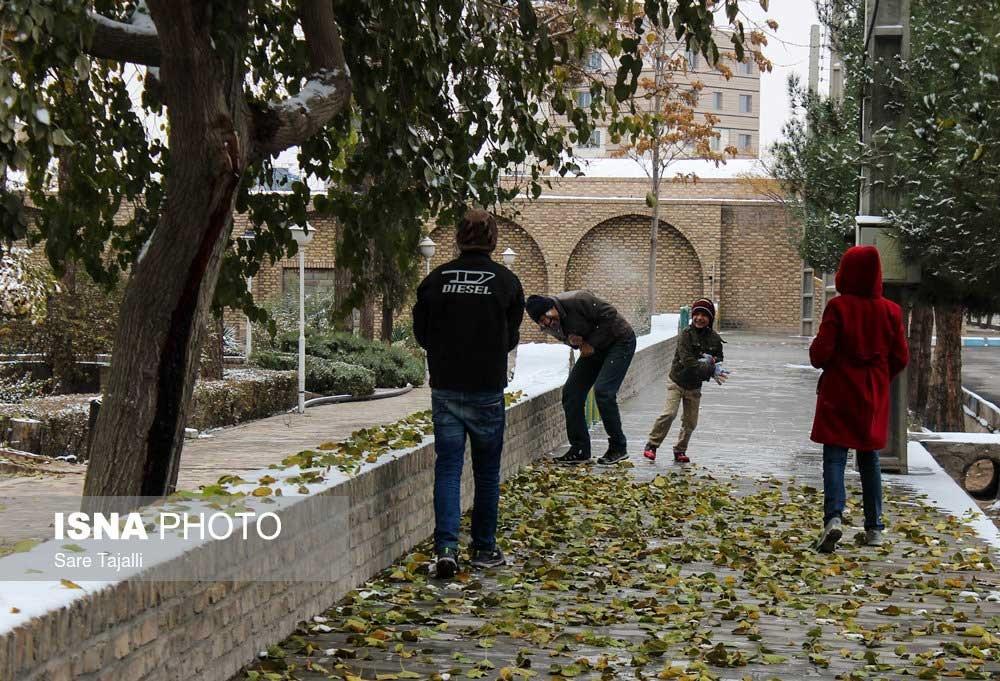 تصاویر | روز برفی پاییزی در کرمان