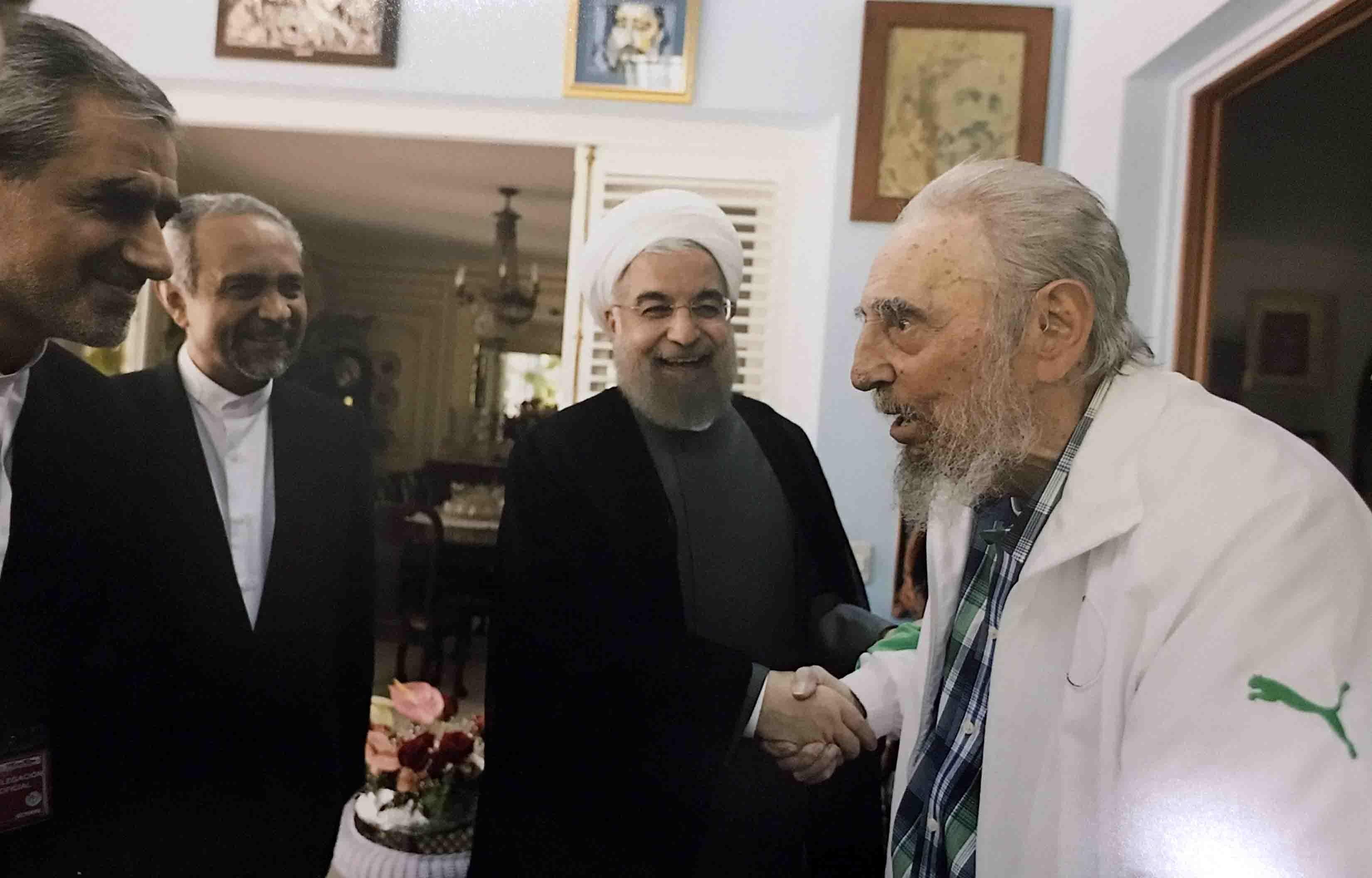 عکس رهبر و روحانی