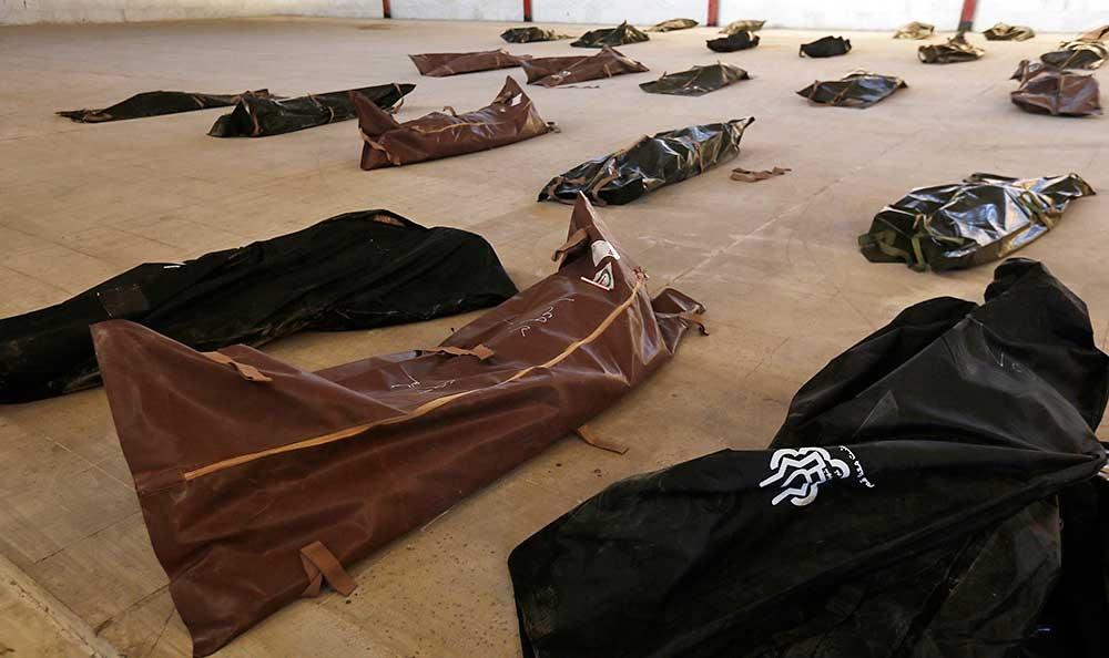 تصاویر | تشخیص هویت کشتهشدگان حادثه سمنان و کربلا