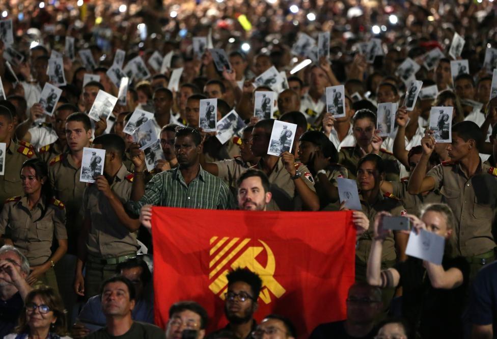 تصاویر | حضور مردم کوبا در مراسم یادبود فیدل کاسترو