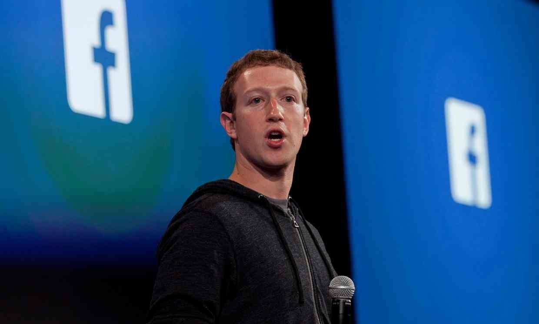 سقوط ۳ میلیارد دلاری ارزش سهام فیسبوکِ زاکربرگ در بورس