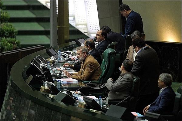 پادکست   رویارویی مجلس ایران با سنای آمریکا   طرح در مقابل طرح