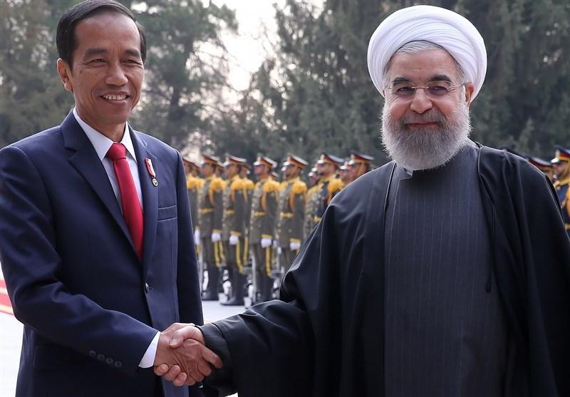فیلم | لحظه ورود رییس جمهور اندونزی به سعدآباد و استقبال روحانی