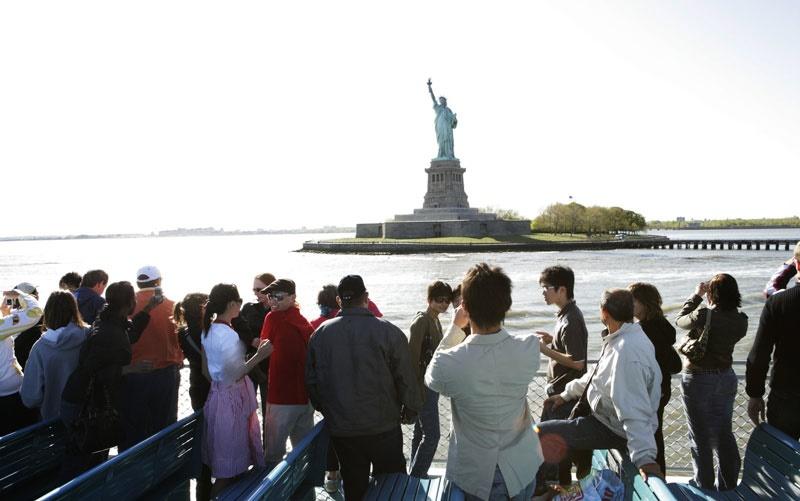 توریستها قبل از ورود به امریکا باید اطلاعات شبکههای اجتماعی خود را اظهارکنند