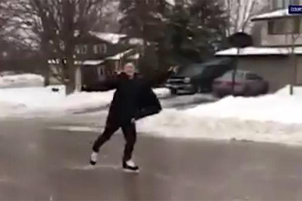 فیلم | اسکیتسواری در خیابانهای یخزده کانادا
