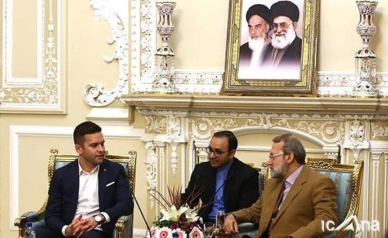 لاریجانی: ثبات و آرامش منطقه و جامعه جهانی تنها از طریق گفتوگو قابل پیگیری است