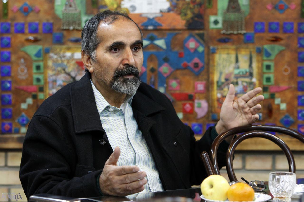 آزادارمکی:دانشجویِ امروز،میگوید بازیسیاسی ربطی بهمن ندارد