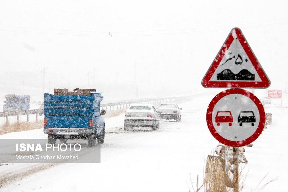 بارش برف و باران و مه گرفتگی در جادههای ۴ استان