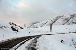 مه آلودگی و بارش برف در محور چالوس/هشدار هواشناسی به مسافران