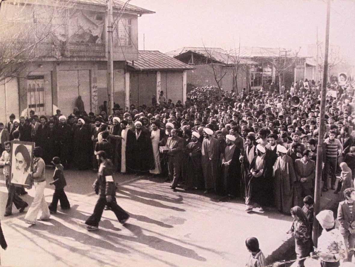 روایت های ناگفته از چهره های انقلاب/ از ناطق نوری و عسگراولادی تا طالقانی و آل احمد