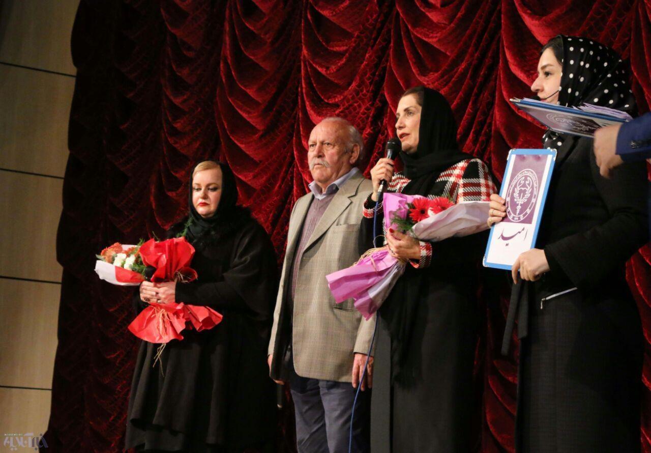 22 امین گلریزان امید در شب 22 بهمن با حضور فریبا کوثری و نعیمه نظام دوست
