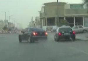 حرکات نمایشی خطرناک یک سعودی مقابل پلیس