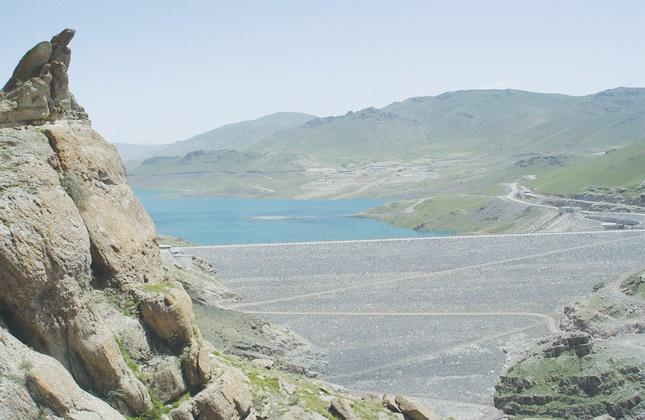 بهرهبرداری از 2 پروژه مهم در حوزه آب خراسانجنوبی