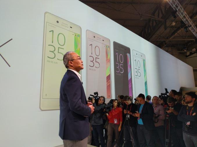 مراسم رونمایی از 3 گوشی جدید سونی در کنفرانس جهانی موبایل بارسلونا و مقایسه آنها با هم