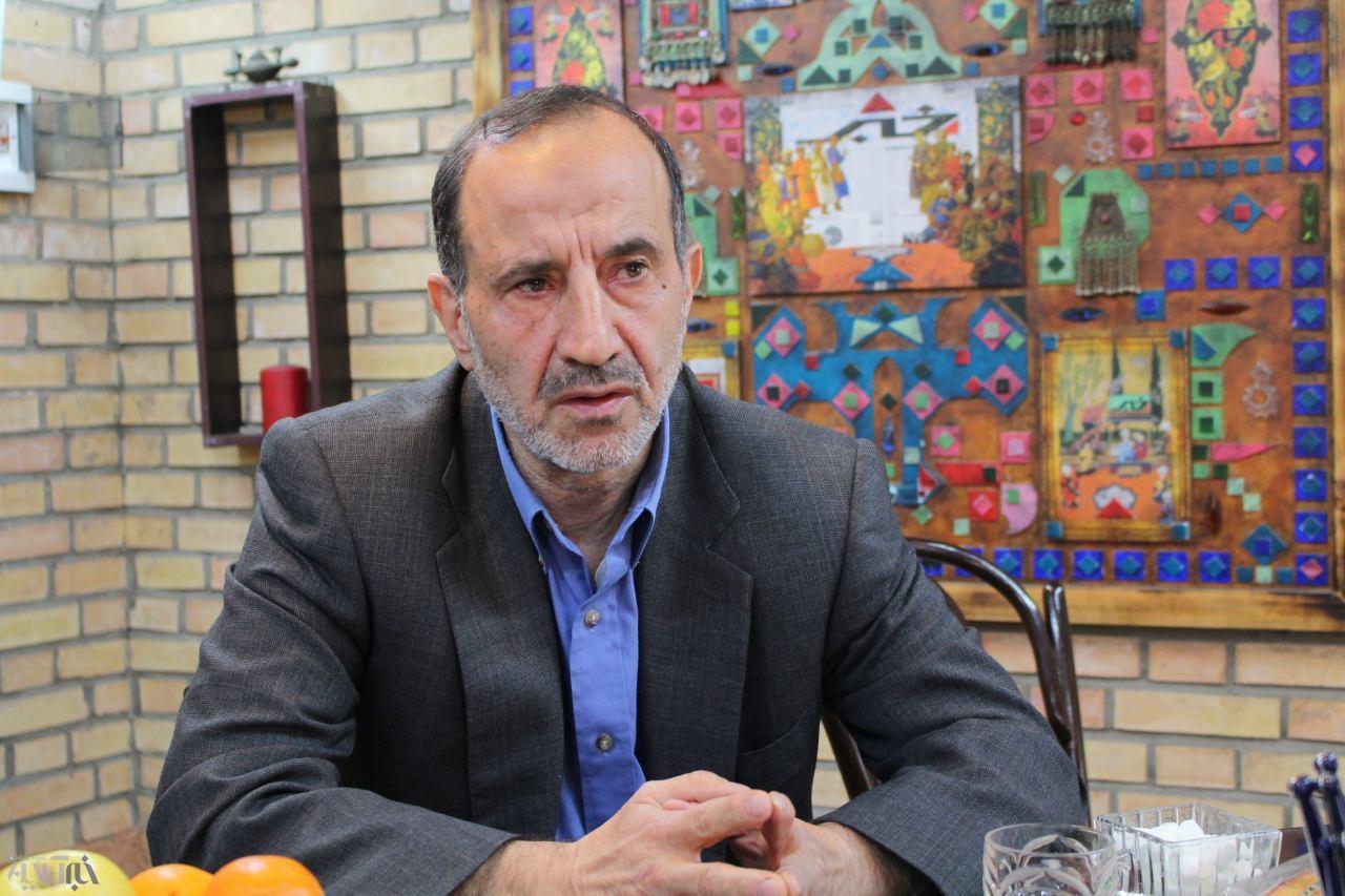 خوش چهره: احمدی نژاد از حضورم در مجلس استقبال نمی کرد/ اصولگرایان به دلیل انتقادهایم حمایتم نکردند