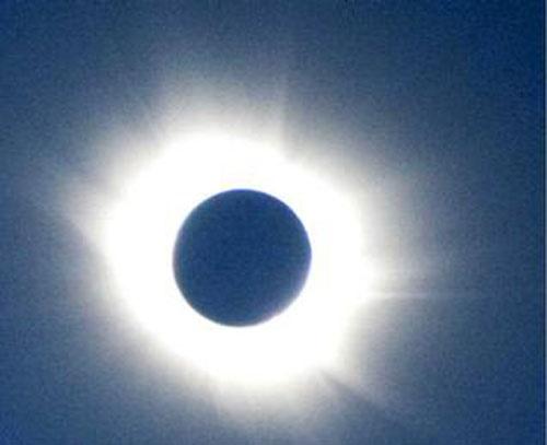 جایی که خورشید 3/5 سال میگیرد!/طولانیترین کسوف جهان