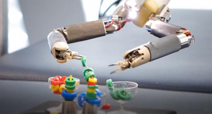 اولین ربات تمام جراح