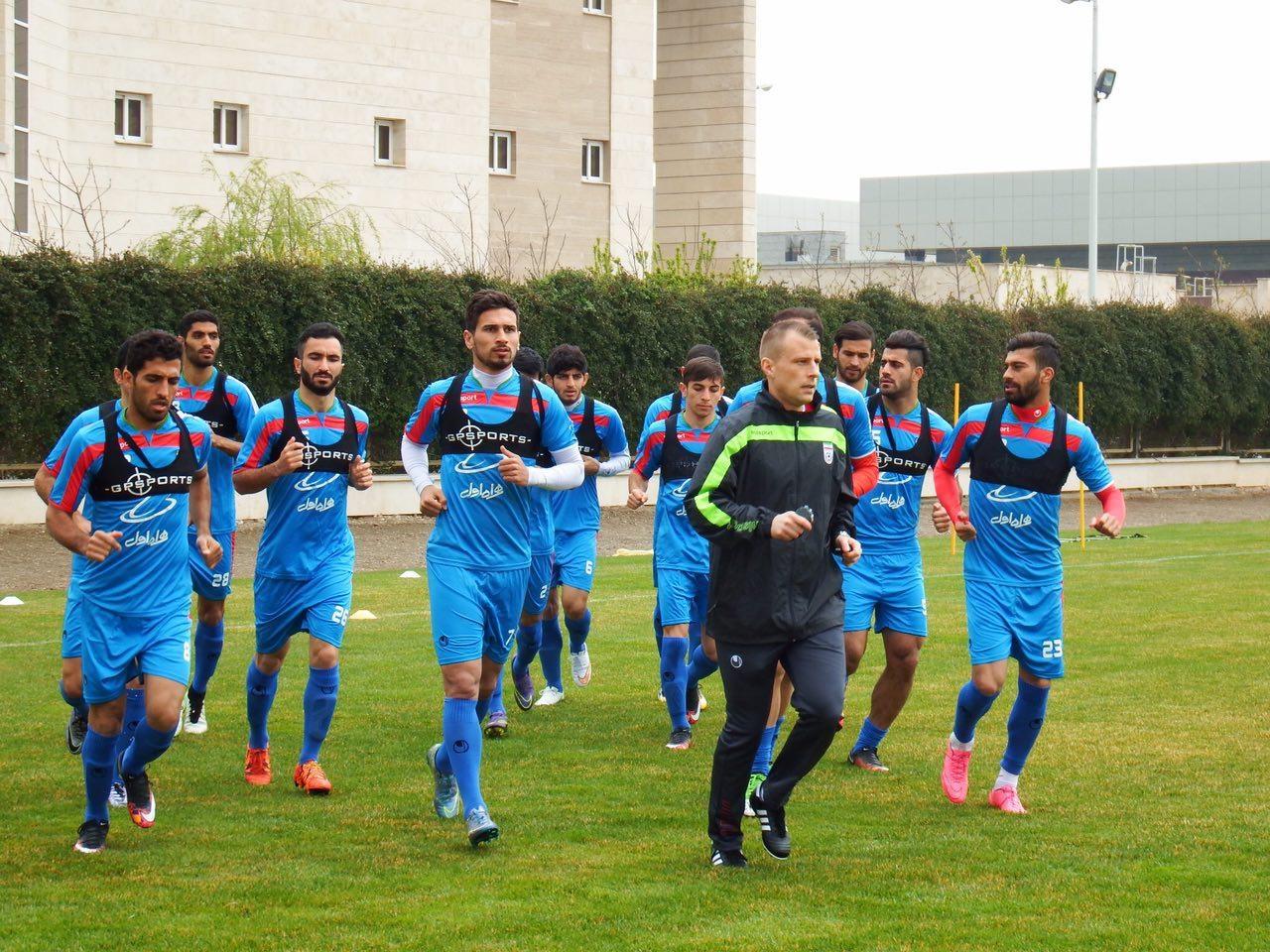تیم ملی فوتبال ایران در کربلا به مصاف عراق میرود