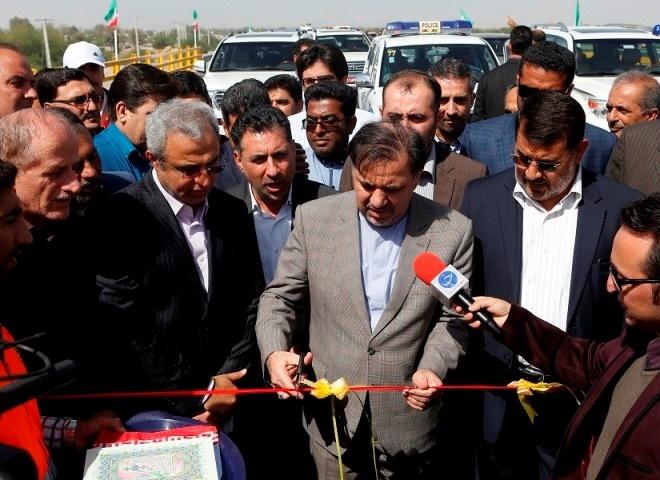 پل بزرگ جلابی و پروژه های راهسازی هرمزگان با حضور وزیر راه و شهرسازی به بهره برداری رسید