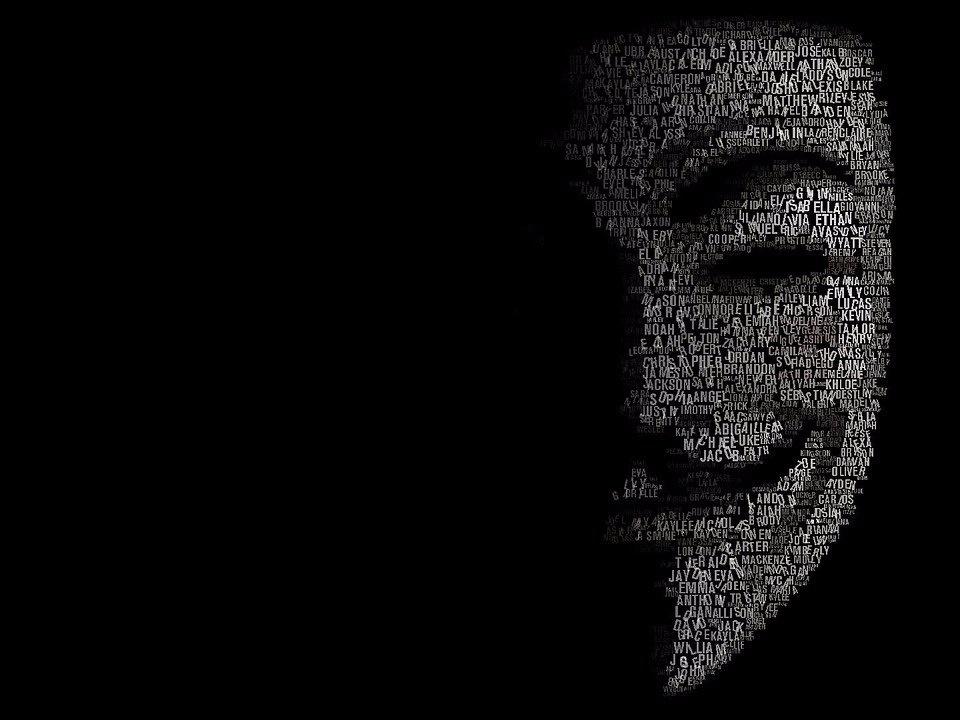 جنگ تمامعیار هکرها با دونالد ترامپ/ وعده ما روز اول آوریل،وبسایت ترامپ!