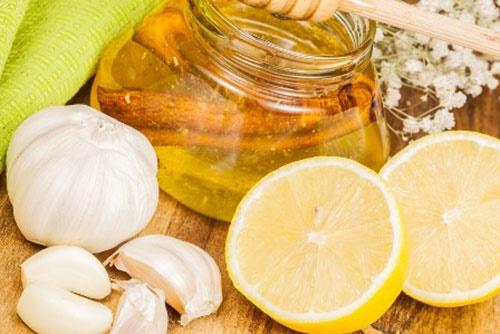 معجزه زردچوبه،ویتامین سی،سیر و عسل برای درمان عفونت خون