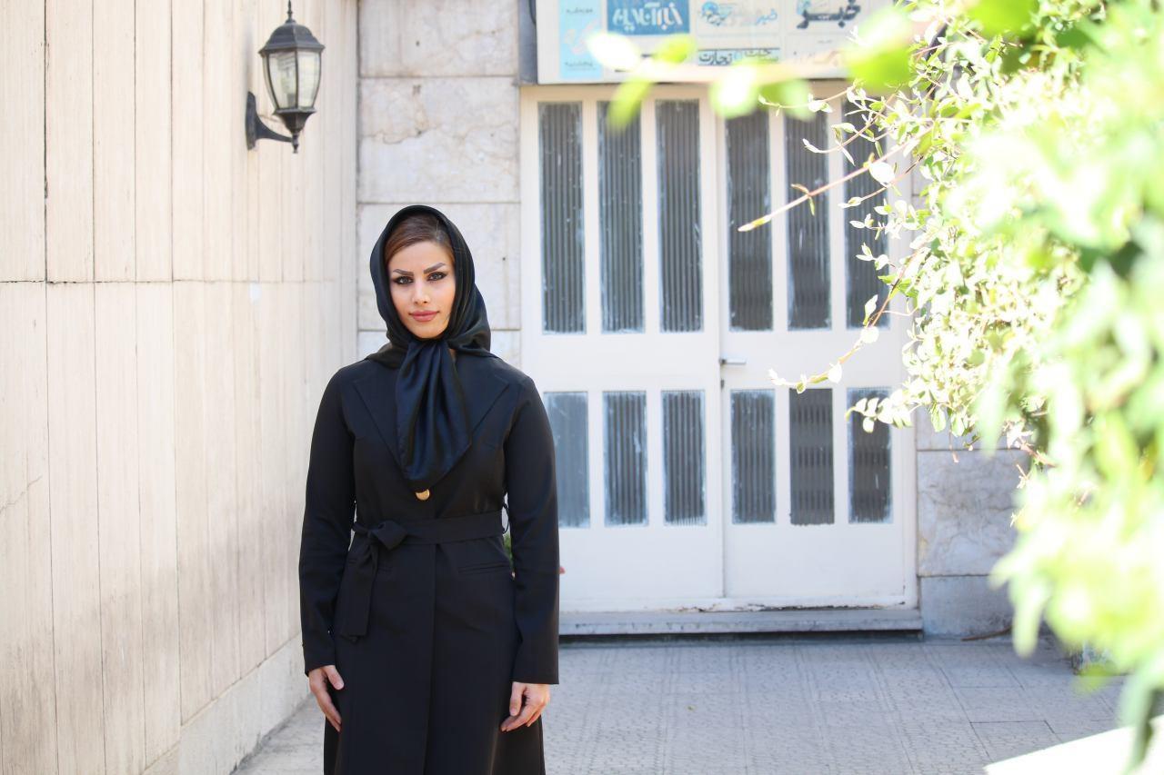 عکس دختر ایرانی از یک نفر