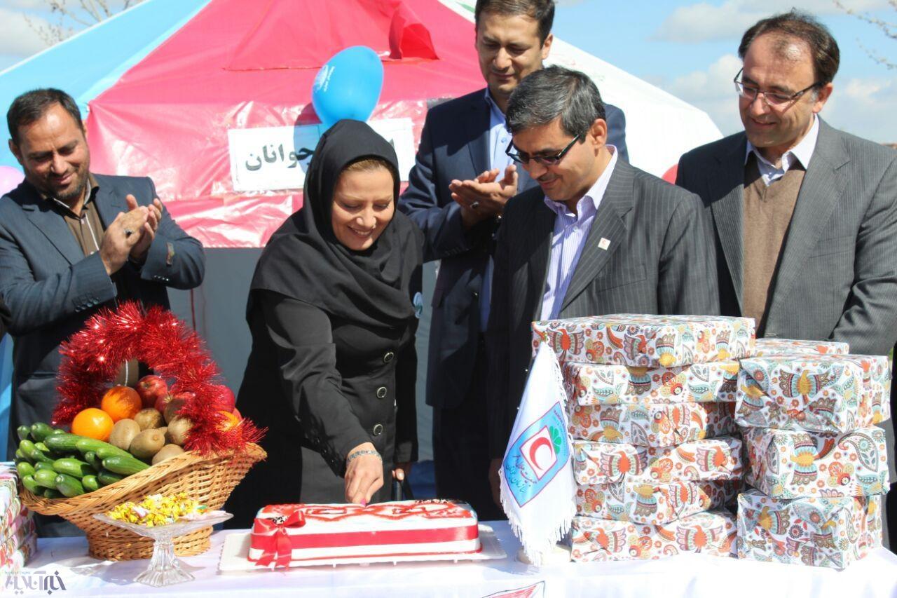 جمعیت استان بوشهر در سال 95 برگزاری مراسم روز زن با همکاری مشترک هلال احمر و تشکل مردم ...