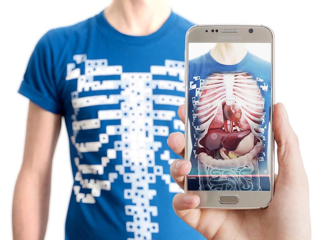 با این تیشرت هوشمند میتوانید داخل شکمتان را ببینید / آینده علم پزشکی متحول می شود
