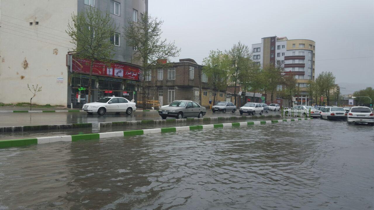 تصاویری از بارش باران سیل آسا در ارومیه