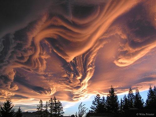 ابرهای شوریده در آسمان نیوزیلند/عکس روز ناسا